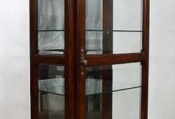 Vitrína-012-rozmer-185x66x38-cena-550eur