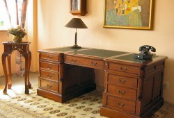 Písací stôl 007, rozmer 160x90x80, cena 1250eur