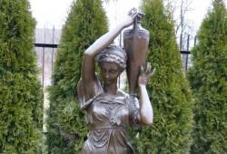nabytok sochy fontany bronz 113x24---3400 EUR (cena je za 2 kucy) (3)