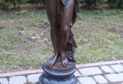 nabytok sochy fontany bronz 113x24---3400 EUR (cena je za 2 kucy) (4)
