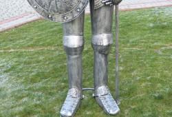nabytok sochy fontany bronz 230(213)x80cm---950 EUR