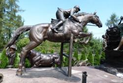 nabytok sochy fontany bronz 235x3330 cm---18000 EUR